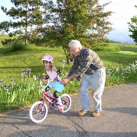 deda i unuka imaju razlicite potrebe za proteinima